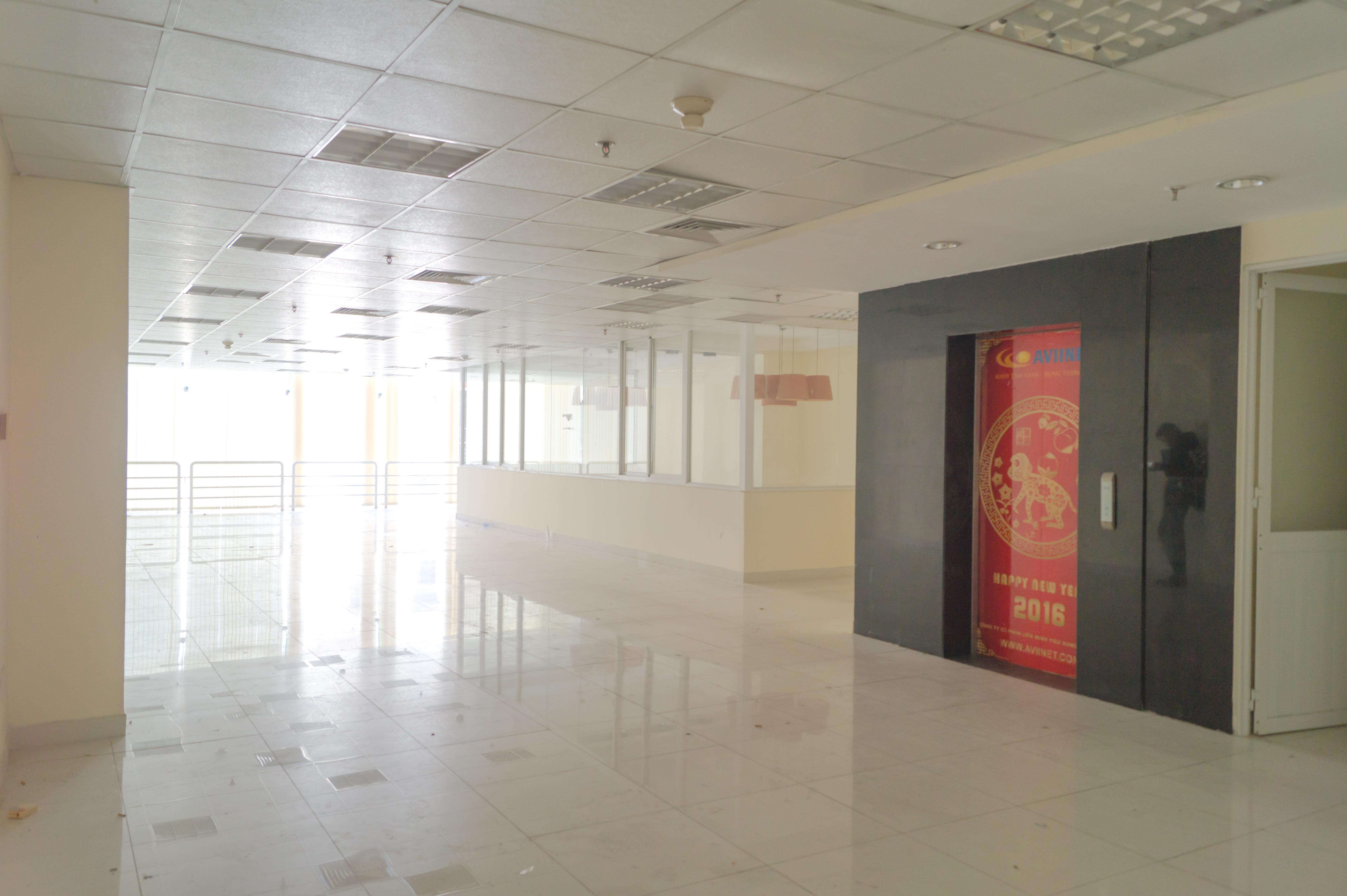 Cho thuê tòa nhà văn phòng mặt tiền đường Lê Quốc Hưng, Phường 12, Quận 4