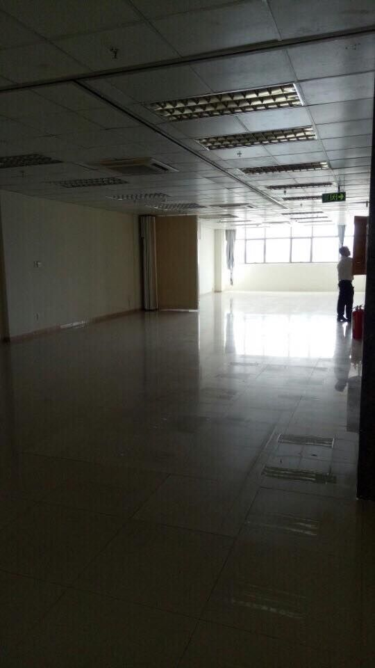 Cho thuê tòa nhà văn phòng mặt tiền đường Võ Văn Tần, Phường 5, Quận 3